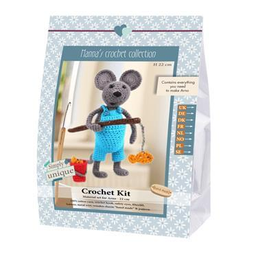 CROCHET KITS - ARNO THE MOUSE FISHERMAN Detail Page