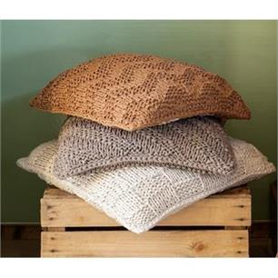 Hoooked Knitted Cushion Kit