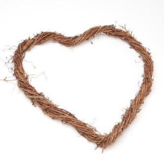HC0562 HEART VINE WREATH  - 15CM Detail Page